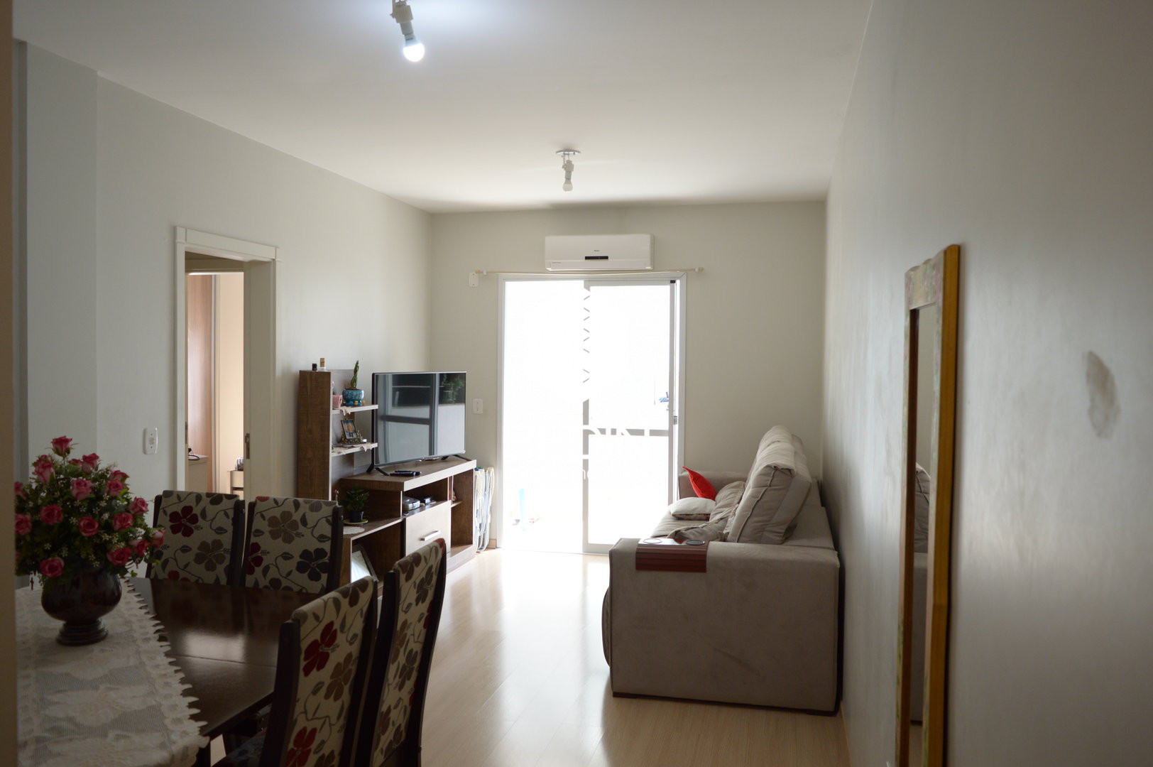Imóvel - Sala de estar / Jantar
